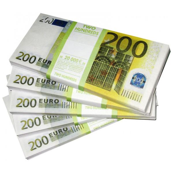 Деньги для игр (200 Евро) для тренерор